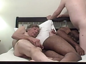 4 older guys fuck and suck in a motel room