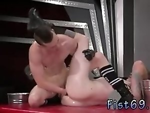 Twink fisting galleries and gay In an acrobatic 69 Axel Abysse inserts