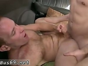 St8 dude plows horny twink in the moving car